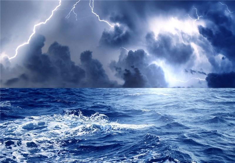 زاهدان، کیار امواج 3.5 متری در دریای عمان ایجاد کرد
