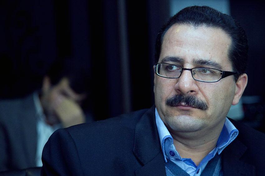 خبرنگاران استاد دانشگاه رازی کرمانشاه: افزایش شاخص بورس منطقی نیست