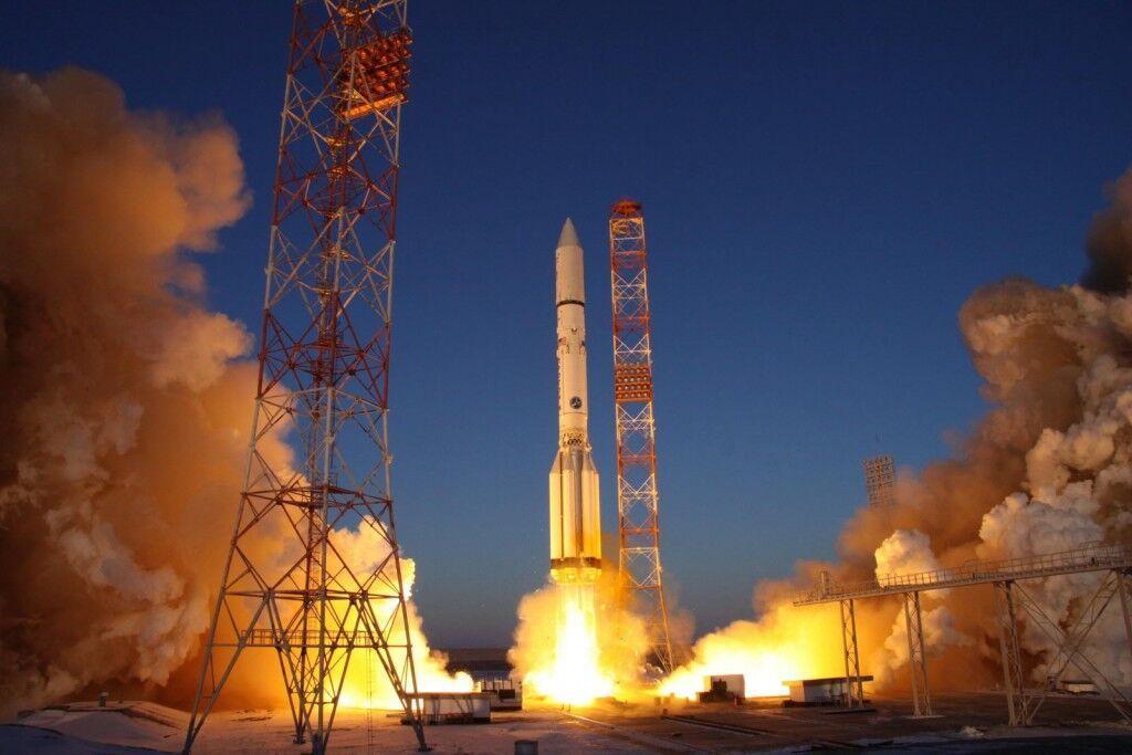خبرنگاران روسیه دو ماهواره به فضا فرستاد