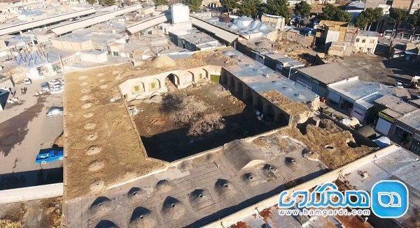 بخش هایی از رباط تاریخی لاری و آب انبار میدان رباط رفع تصرف شدند
