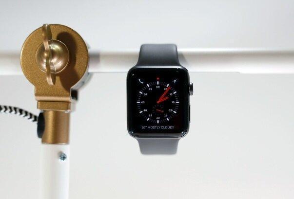 نقص فنی ساعت های اپل به علت به روزرسانی سیستم عامل