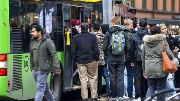 اولین درخواست سوئد برای استفاده از ماسک، حفظ فاصله اجتماعی با تکیه بر اعتماد عمومی