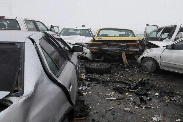 تصادف زنجیره ای در شیراز ، 11 نفر مصدوم شدند