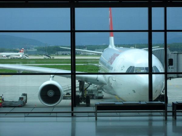 3 ماه زندگی مخفیانه در فرودگاه امریکایی