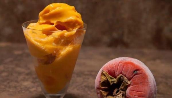طرز تهیه بستنی خرمالوی خانگی ؛ ساده، خوشمزه و فوری